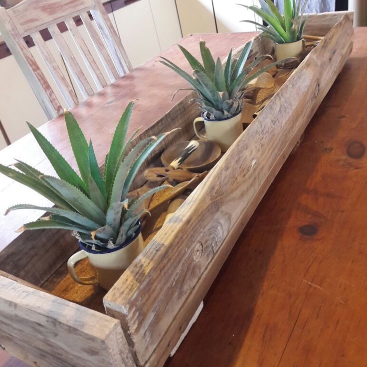 #repurposed #pallet table trough. What you fill it with is limitless