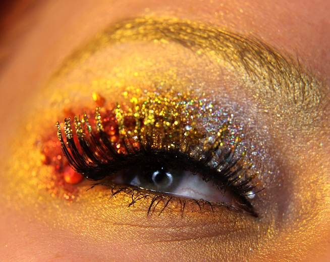 Jangsara On Fire. So pretty! I want to start incorporating coordinating colors into my brows too
