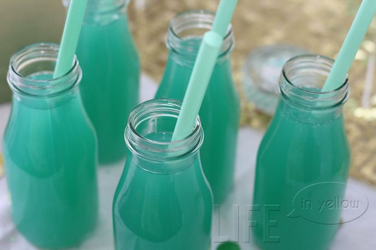 Tiffany Blue Punch:  1 part blue Hawaiian punch  1 part pineapple juice  2 parts Sprite Zero