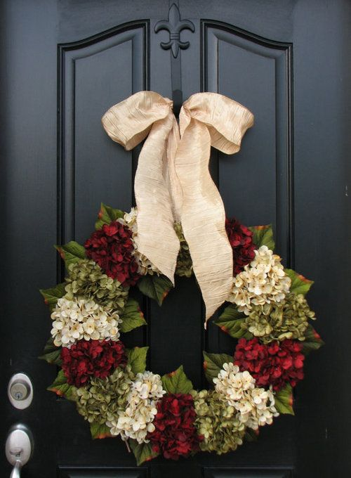 DIY Hydrangea Christmas Wreath ~ but change colors and you could do spring etc