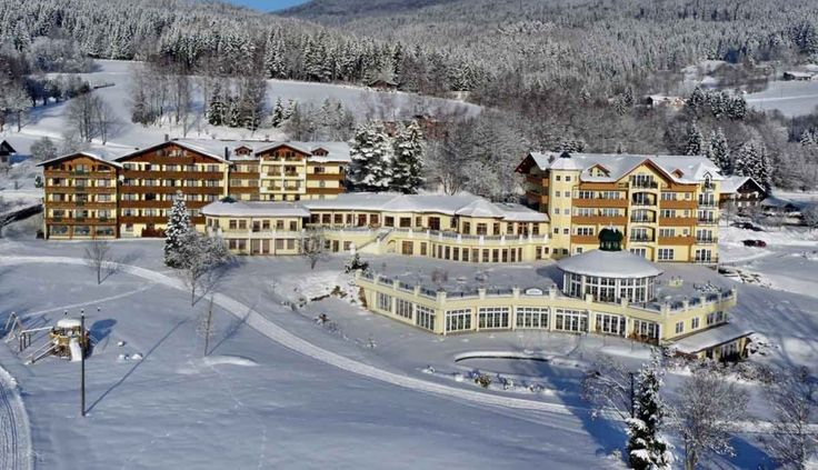 Winterträume im Bayerischen Wald. Ihr Urlaub im  HOTEL MOOSHOF WELLNESS & SPA RESORT ****S in Bodenmais     #leadingsparesort #wellness #winter #ski #bodenmais #bayern #schnee #loipe #langlauf #deutschland #germany