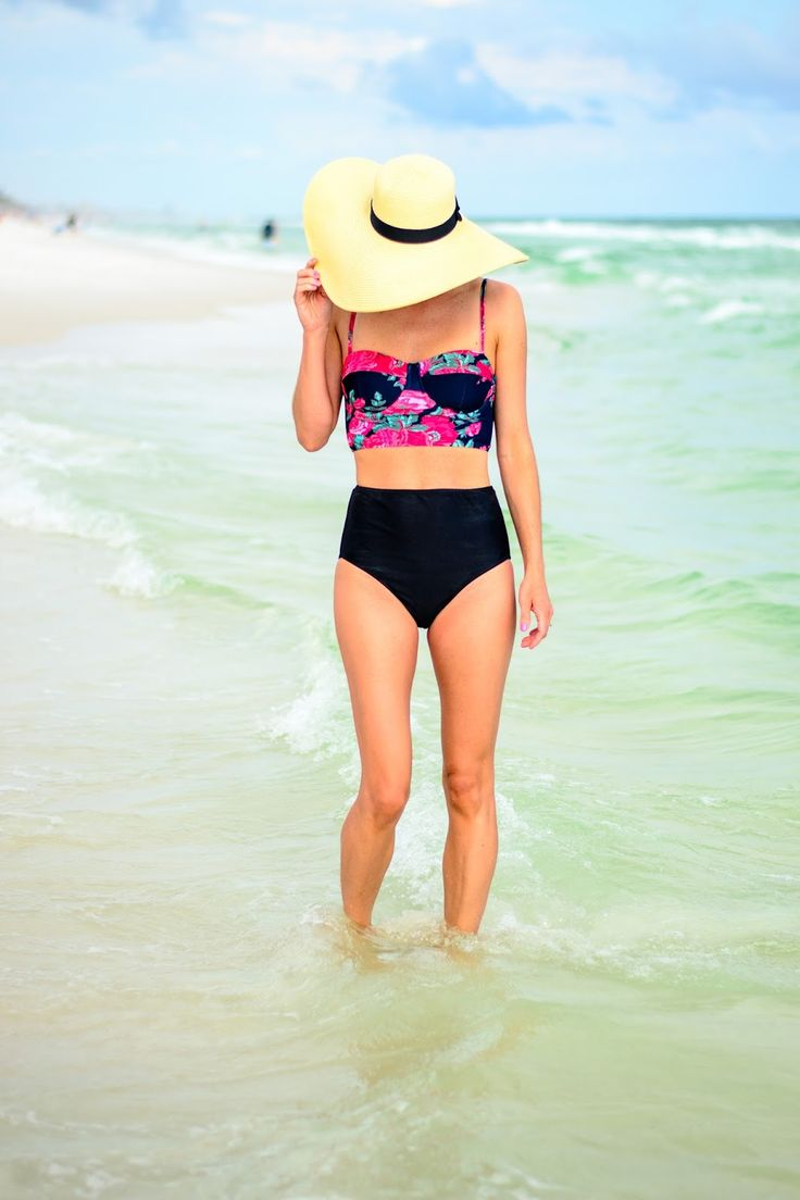@albionfit Retro floral swimsuit top and highwaisted bottoms