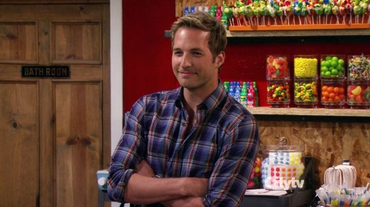 Special shout-out (M): Candy Andy - Ryan Hansen on 2 Broke Girls. Why this special shout-out? Well I'm just glad Ryan Hansen is back on our ...