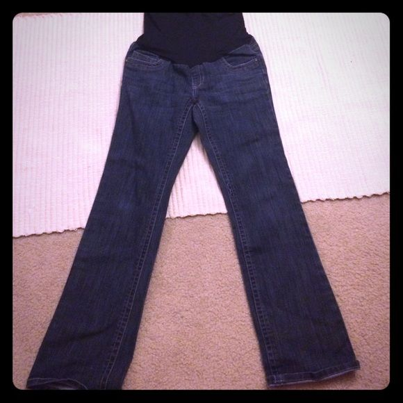 Best maternity jeans ever! These were hands down the best maternity jeans I owned, so comfortable, stylish and cute. Sparkle stitch detail on back pockets. EUC Motherhood Maternity Jeans Boot Cut