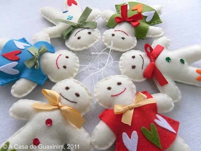 Enfeites de Natal: Colorful Gingerbread, Christmas Crafts, Dolls, Felt Ideas, Christmas Ideas, Gingerbread Color, Photo, Craft Ideas