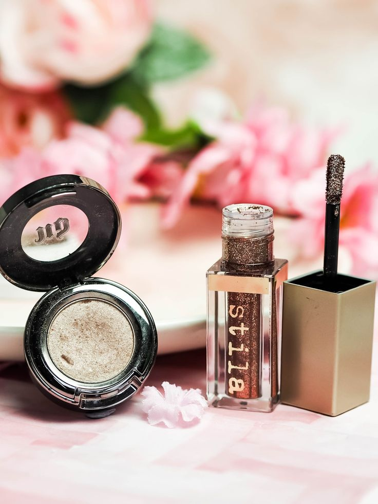 Top single eyeshadows, that you need to try. Including products from Colourpop, Urban Decay, Stila, KIko and NYX. Stila Magnificent Metals liquid eyeshadow, NYX sin single eyeshadow. The Violet Blonde - beauty and lifestyle blogger. #eyeshadows