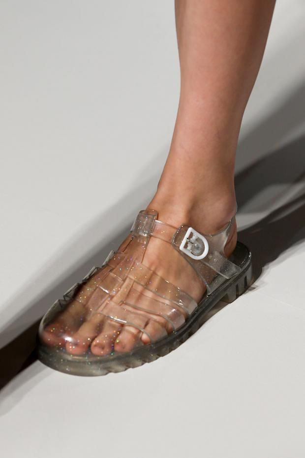 Transparent jelly shoes