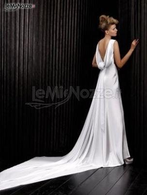 http://www.lemienozze.it/gallerie/foto-abiti-da-sposa/img25031.html Abito da sposa con coda lunga