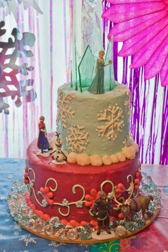 Frozen cake topper ice castle