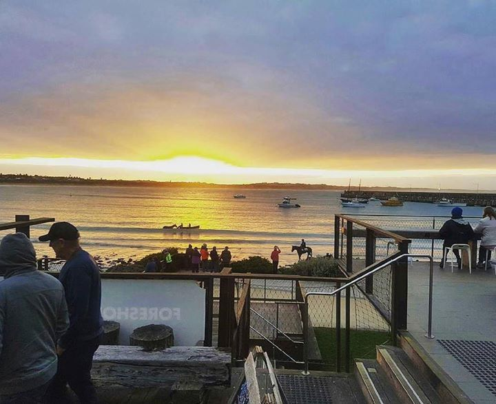 #Repost @pavilioncafebar  It was all happening down here this morning for day 2 of the May Races. We'll be open from 7am tomorrow to help you fuel up for a big day of racing  #mayraces #horsetraining #horse #gaiwaterhouse #destinationwarrnambool #warrnambool #sunrise #coffee #greatoceanroad http://ift.tt/2p3QJrl
