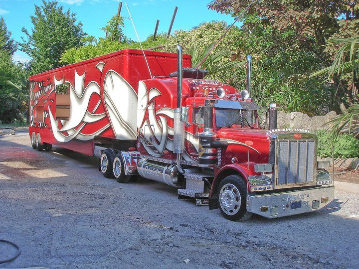 RC Peterbilt Truck for Sale   Awesome 1:4 Scale Peterbilt 359 RC Truck is awesome.   Online Diesel ...