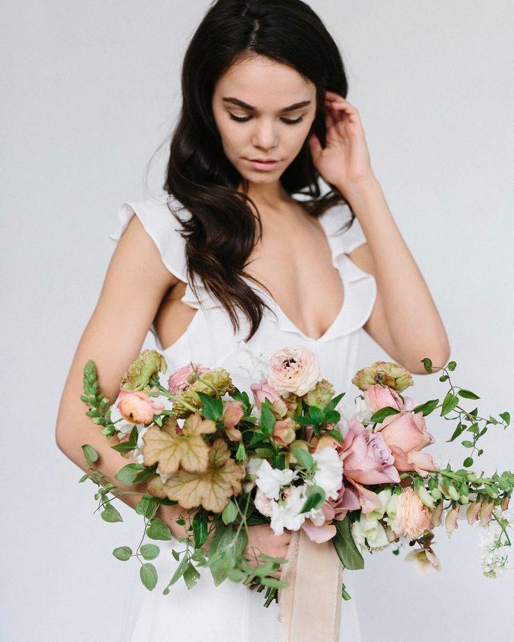 "1,473 Likes, 9 Comments - Nicole Land (@soilandstem) on Instagram: ""STUNNING bouquet by @emmamorrisfloral #soilandstemclasses photo @kateosborne ribbon @renatastone"""