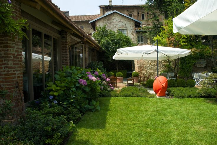 Giardino del  Ristorante Vittorio Veneto  Cherasco