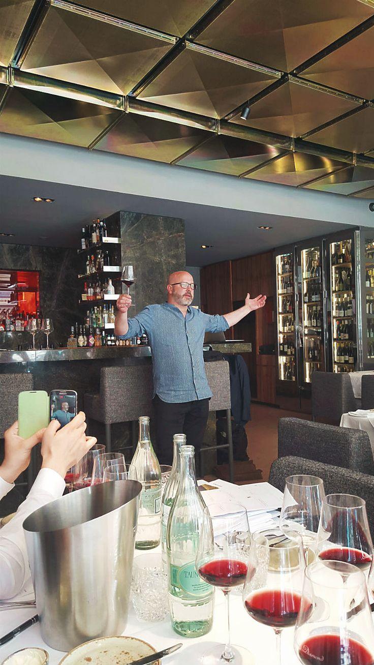 Markenbotschafter Sebastian Bordthäuser in der Masterclass Südtirol Wein im Restaurant Stanley Diamond, Frankfurt    Arthurs Tochter kocht von Astrid Paul. Der Blog für food, wine, travel & love