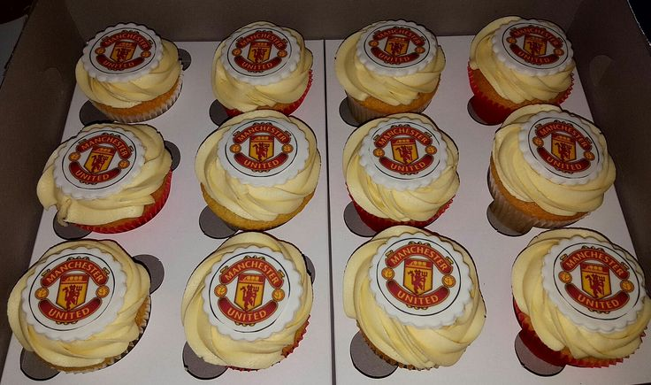 Manchester United vanilla cupcakes