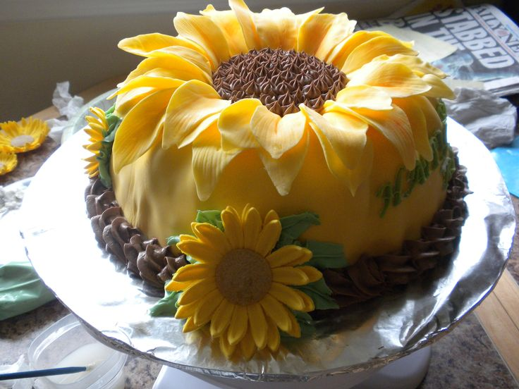 Sunflower - Sunflower Birthday Cake I need this for my next birthday!!!!