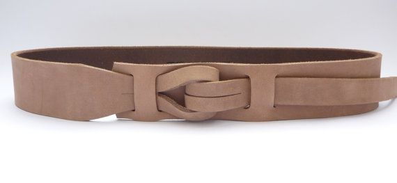 My newest design unlike any other mens leather belt. The #Muse Qallu. Qallu is Quechua for tongue. Made of vegetable tanned leather and water based coatings our belt is eco-... #trending #etsy #muse #nickle-free #革のベルト