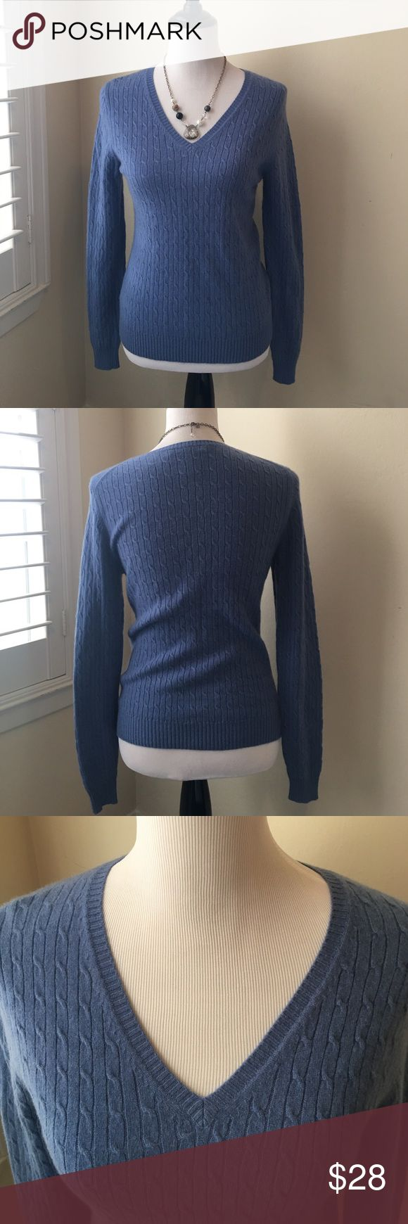 🎉New Listing🎉Cashmere V Neck Sweater / Large 100% Cashmere Marconi Size Large. Beautiful blue color 💙 Long sleeve, Cable Knit, V Neck Sweater. Excellent Condition. Marconi Sweaters V-Necks
