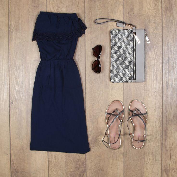 Combineer sandalen met fijne riempjes met een jurkje met kant #chique #festivaloutfit