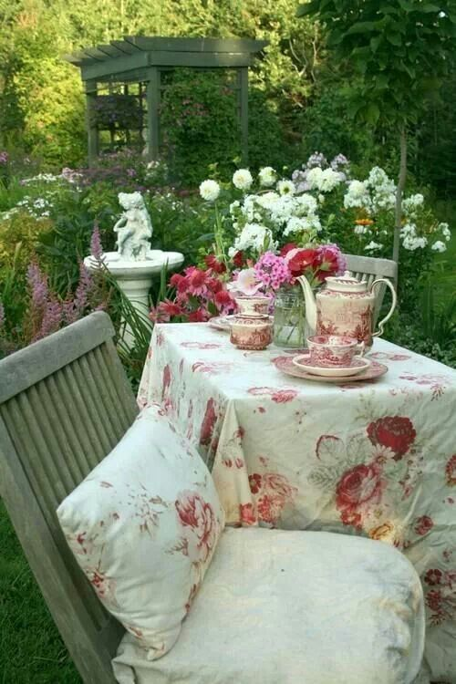 shabby chic romantic cottage garden outdoor yard lake. Black Bedroom Furniture Sets. Home Design Ideas