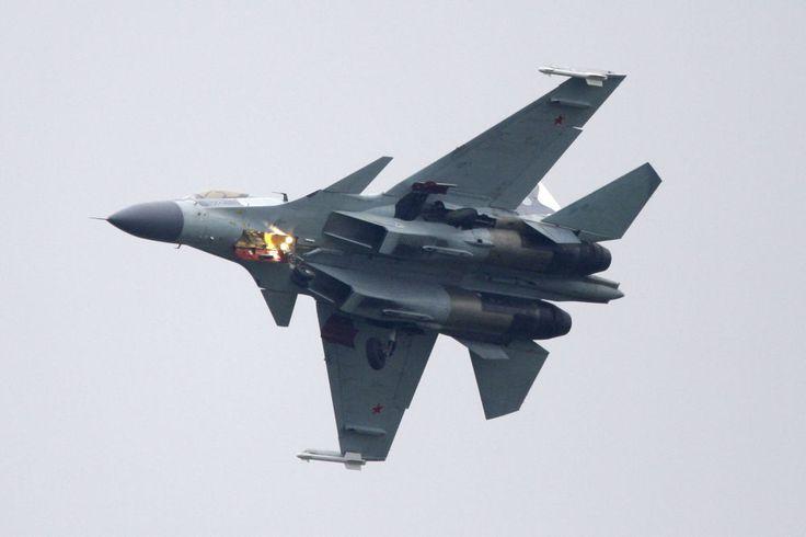 Le Sukhoï Su-35,  avion de chasse multirôle et hautement manœuvrable