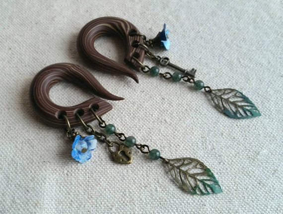 Hey, I found this really awesome Etsy listing at https://www.etsy.com/listing/227400295/vintage-secret-garden-gauged-earring