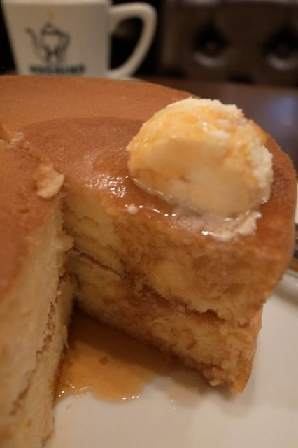 Souffle Pancakes at Hoshino Coffee in Tokyo