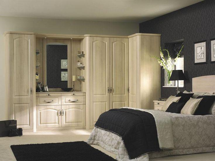 Bella Canterbury bedroom in Moldau Acacia
