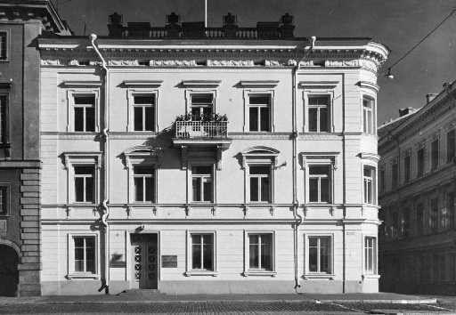 Lampan talo; Pohjoisesplanadi 5 & Helenankatu 2; Helsinki  kauppias Johan Lampa, Rakennuttajat 1814.