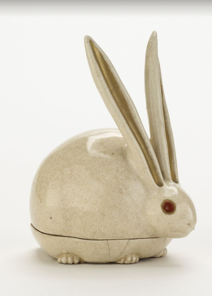Kyoto ware incense box in shape of crouching rabbit mid 17th century or later Artist: Seal of Nonomura Ninsei - Stoneware with enamels over clear glaze