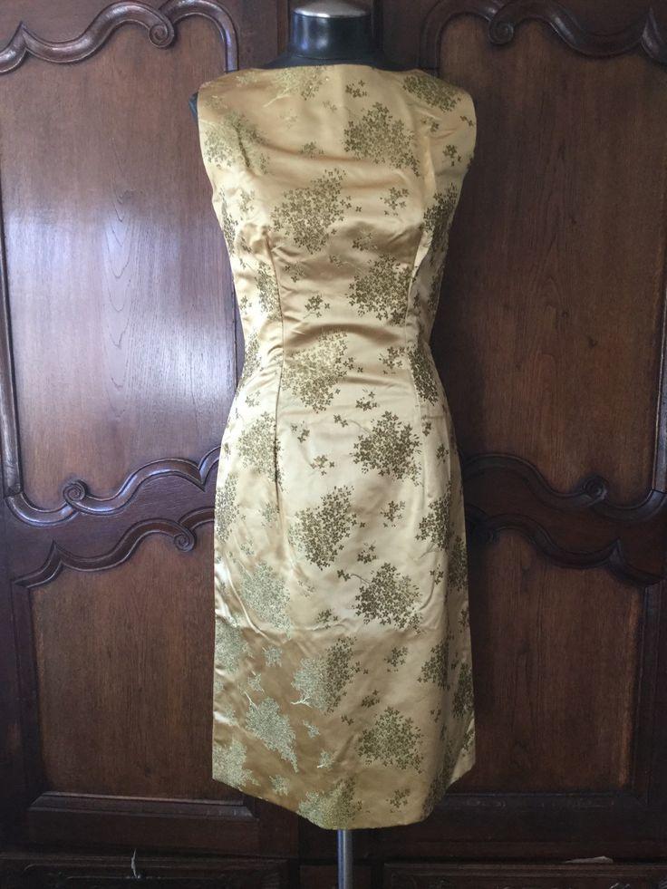 Traditionelle chinesische Kleid und Mantel von YoungAmericana