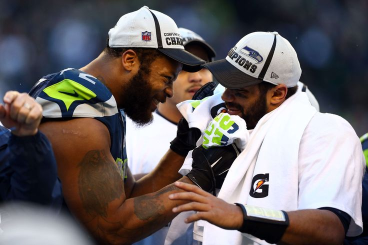 Seahawks' Michael Bennett Defends Russell Wilson Over 'Gossip,' 'Trash' Piece On QB and Team
