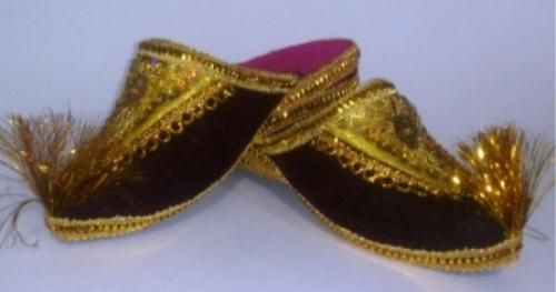 Children Slipper Craft of Uzbekistan Introduce you to a product handcrafted - handmade baby booties. Solemn and festive Eastern women's shoes for dressing at home. Base material - Velour. In slipper applied beads. Sole - soft rubber.