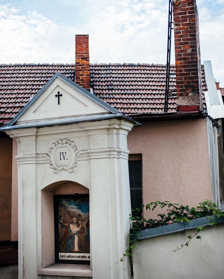 V Brušperku jsou u kostela domy postaveny zvláštním způsobem. Málo pravidelností žádné pravoúhlé parcely. Krása.
