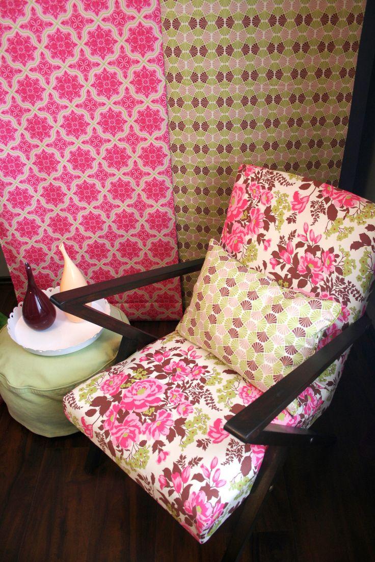 Fotel z lat 60-tych zyskał drugie życie dzięki tkaninie Home Decor zaprojektowanej przez Joel'a Dewberry'ego.
