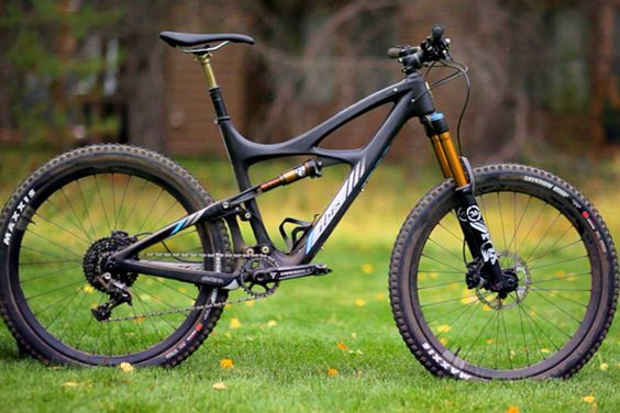 The new Ibis Mojo HD3 represents a ground-up redesign of Ibis' famed all-mountain bike. Bikemag.
