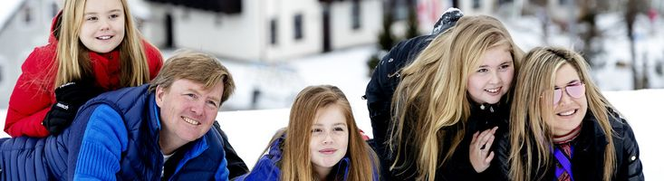 Prinses Beatrix ontbreekt voor het eerst sinds de troonswisseling in 2013 bij de jaarlijkse fotosessie van het koninklijk gezelschap in Oostenrijk.