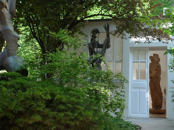 The former home of the Russian sculptor Ossip Zadkine (1890-1967) is now a jewel box of a museum filled with the artist's work #art #gardens #paris