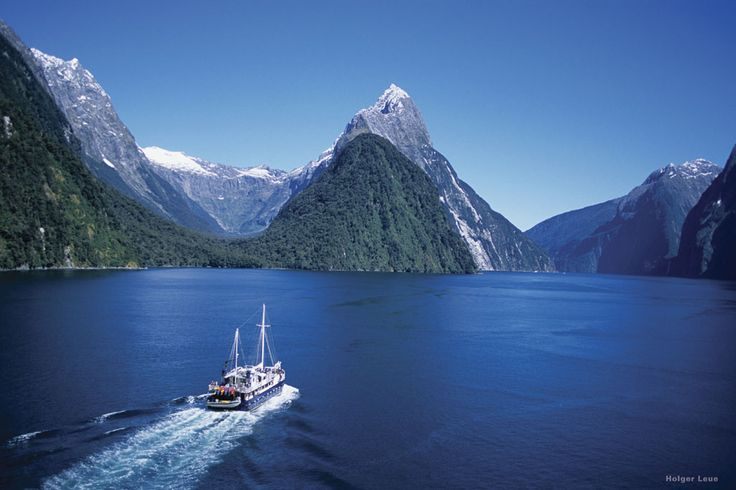 Prices start at only $99(+ Booking fee)  for this amazing full-day bus & boat tour!