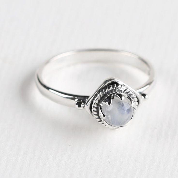 Braided Claw Set Stone Ring - Midsummer Star