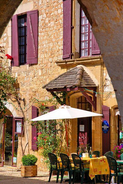 Sidewalk Cafe, Monpazier, FranceSidewalk Cafes, Paris, French Cafes, Monpazier, Beautiful Places, Cafes Corner, Travel, Outdoor Cafes, La France