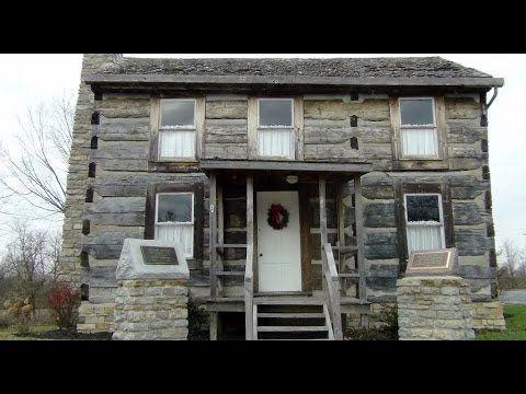 613. Америка. Старинный дом в Williamstown. William Arnold Log Home & Mu...