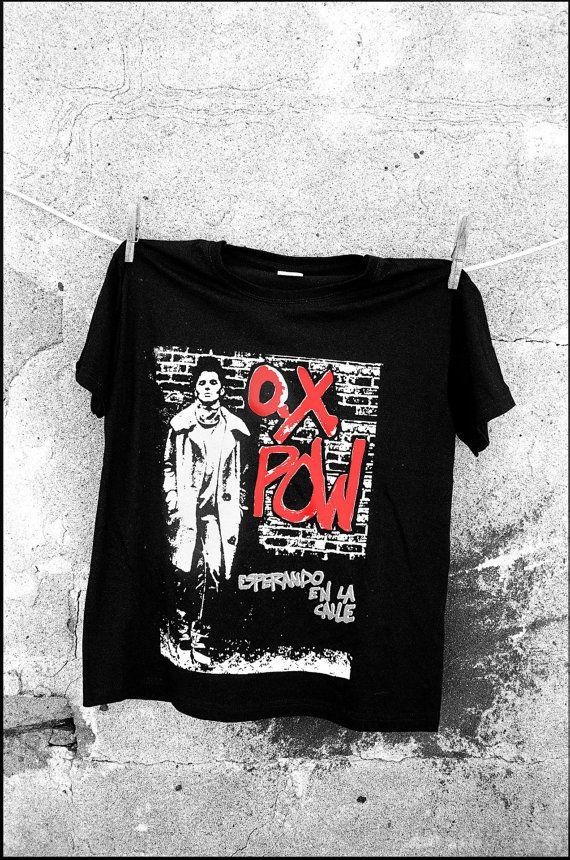 OX POW Esperando en la calle teeTshirt por CalaveraPunk en Etsy, €11.00