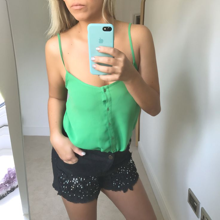 Striking green strappy top. Size 10 from Topshop. Insta price - £5.99 with FREE shipping!  #mywardrobe #shopping #shopmycloset #weekend #party #partyoutfit #instashop #instasale #instagirls #fitgirls #fashionista #queen  Holiday, summer, ibiza, SW4, Marbella, festival