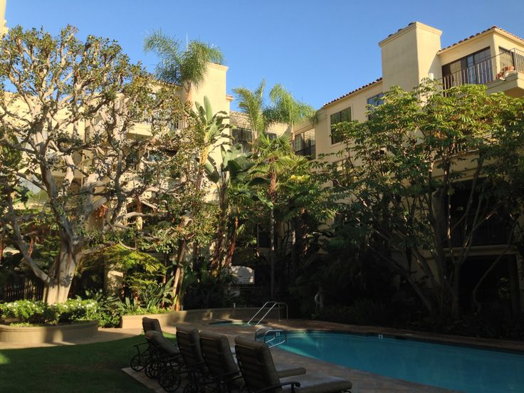 swimming pool - California