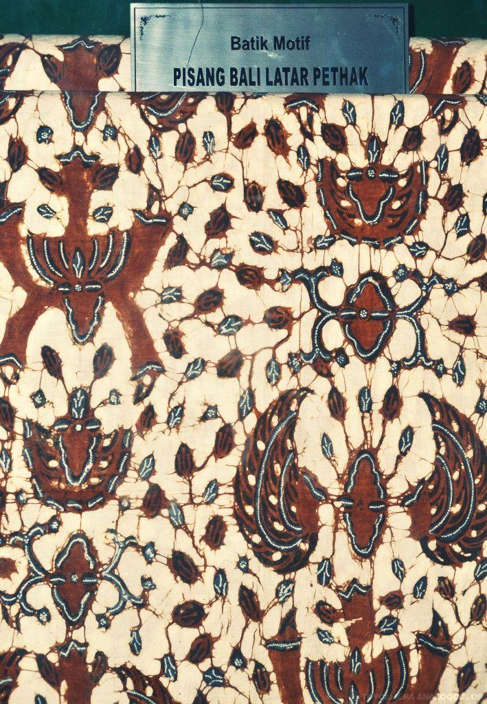 batik motif pisang bali latar pethak
