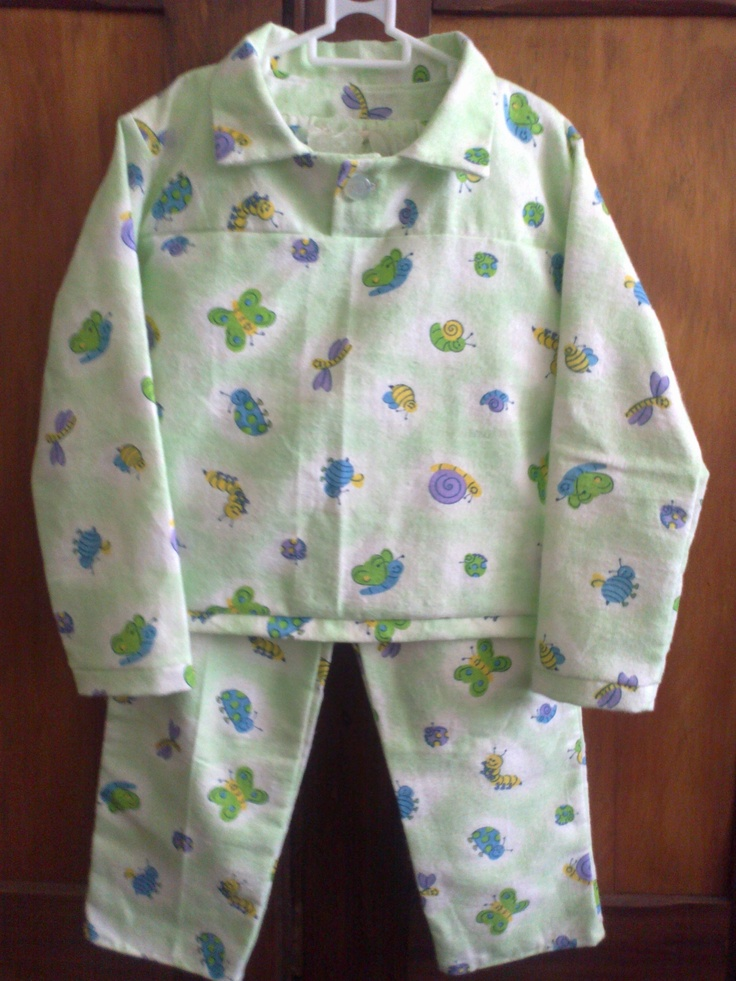 Girl's Winter PJs in flannelette with yoke and button detail (4-6 yrs) - R170.00