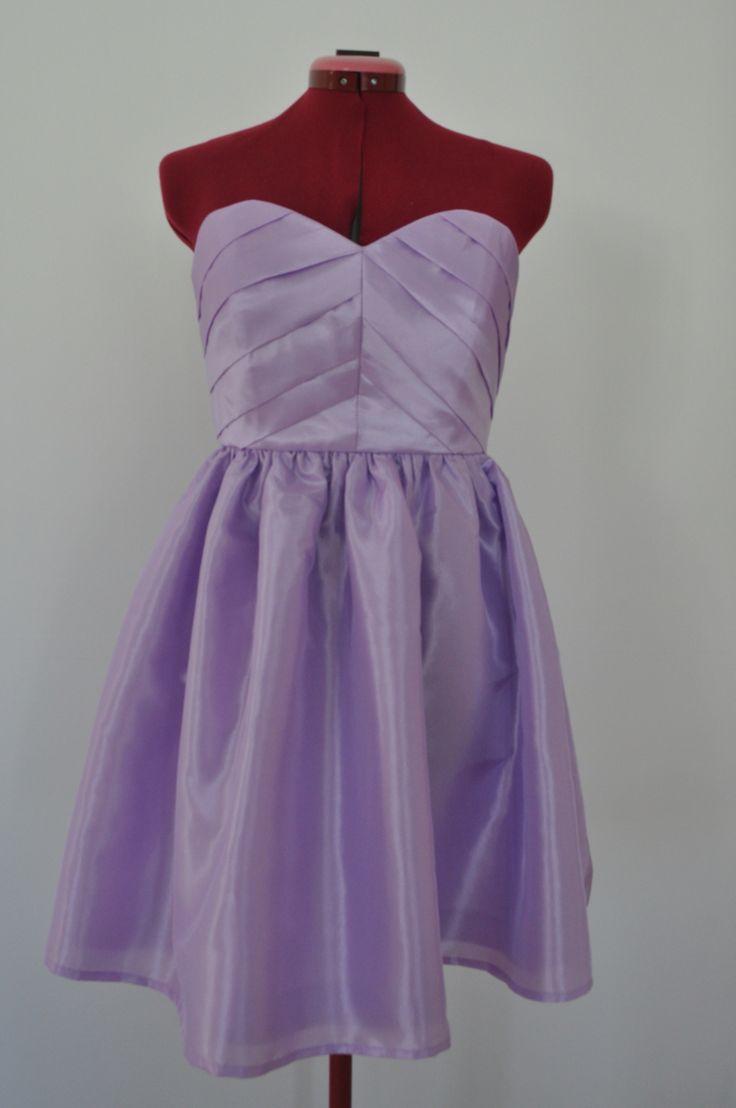 robe demoiselle d 39 honneur jupe fronc e chic et rouge. Black Bedroom Furniture Sets. Home Design Ideas