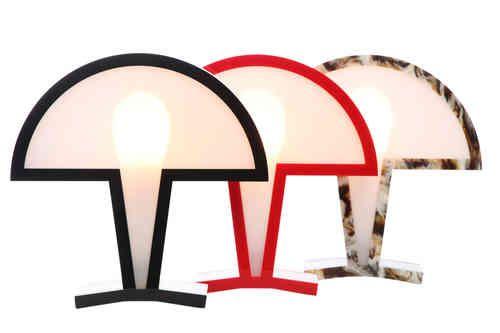 Dayner Agudelo Osorio heeft  D – icon ontworpen gebaseerdop een iconisch ontwerp. Deze herkenbare vorm van een lamp uit de vorige eeuw is op een moderne wijze opnieuw tot leven gebracht.