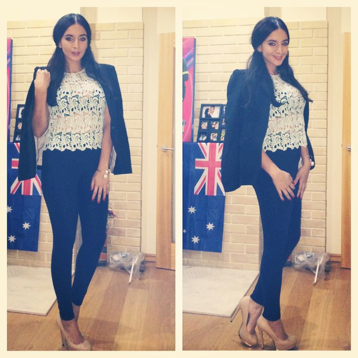 Blue lace shirt. Casual dinner outfit for summer. Look by Yandra Vitorio